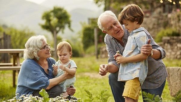 giải pháp quản lý người già và trẻ em, thiết bị định vị cá nhân siêu nhỏ, thiết bị định vị cá nhân, định vị cá nhân