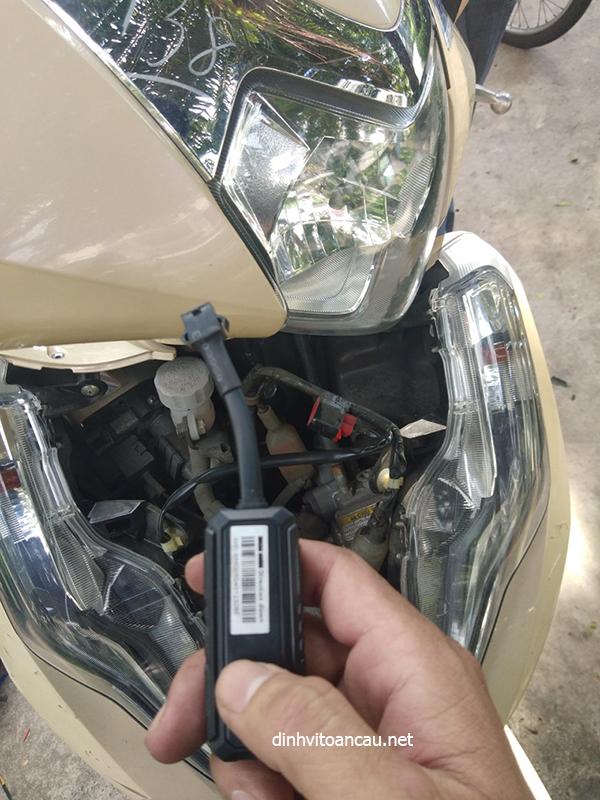 dinh vi xe may mini, định vị xe máy nhỏ gọn, gắn định vị xe máy