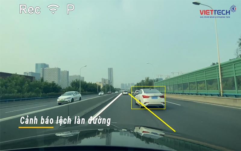 cảnh báo lệch làn đường, camera hành trình cảnh báo lệch làn