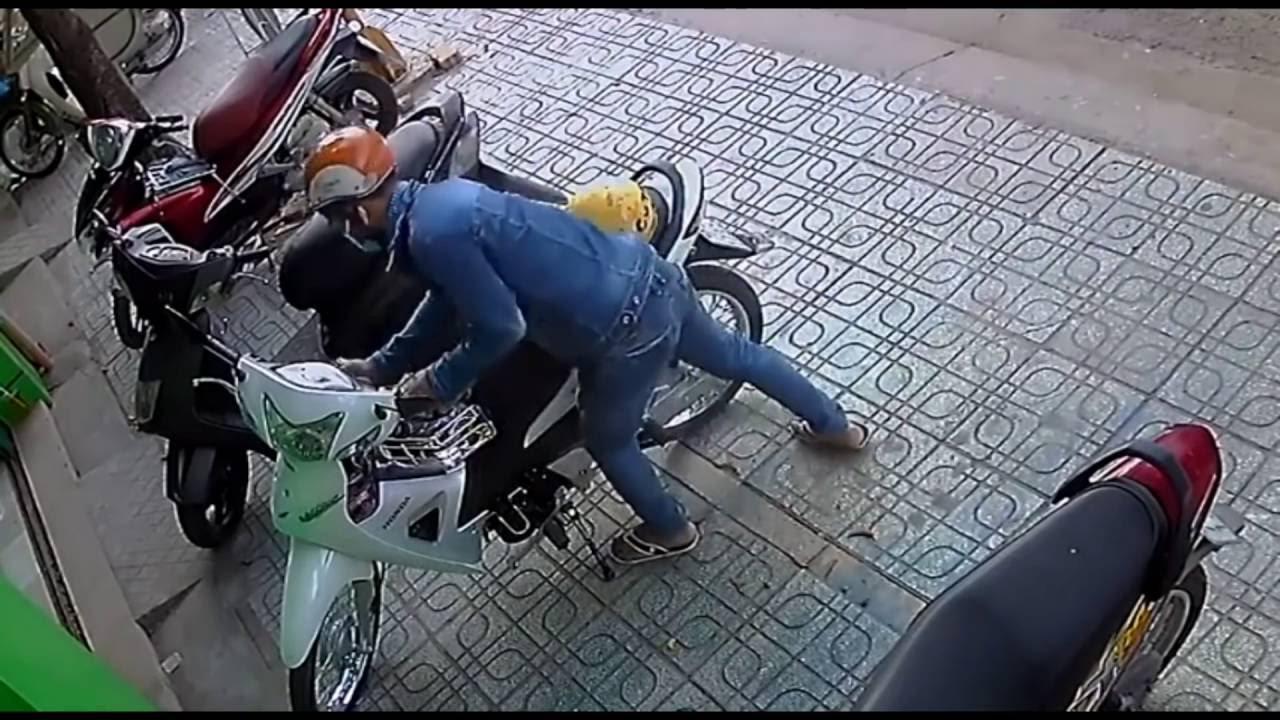 ã hội ngày càng có nhiều kẻ xấu cũng như trộm cắp.